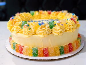 """8"""" Cake - 3 flavour layers with 2 crunch/fruit jelly/sponge cake layers"""
